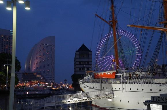 Kapal Hikawa Maru di Yokohama