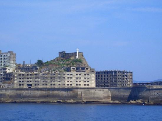 Gunkanjima di lepas pantai Nagasaki