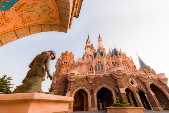 Panorama Tokyo Disneyland Istana Cinderella
