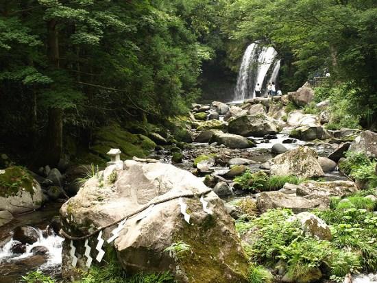 Air terjun Kawazu Nanadaru di musim panas