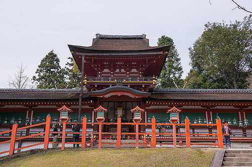 Bagian dalam Kasuga Taisha di Nara