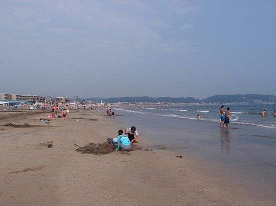 Bermain air dan berenang sepuasnya di Pantai Kamakura