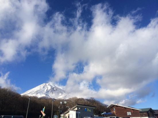 Gunung fuji dari Snow Town Yeti