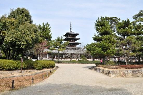 Halaman Kuil Horyuji