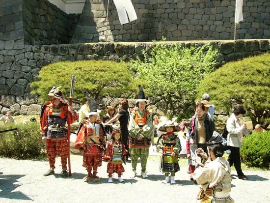Ikut parade festival di Odawara