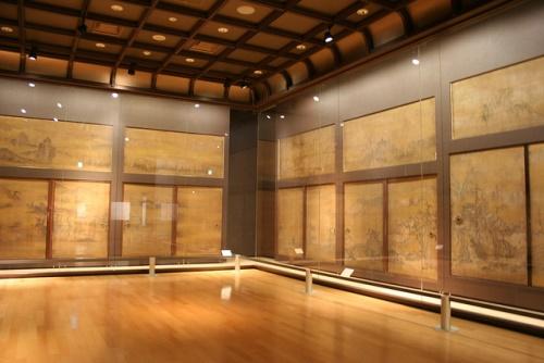 Interior dan lukisan di dalam Istana Nijo