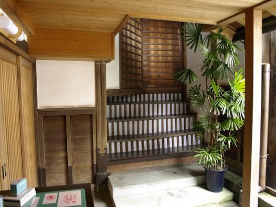 Interior rumah ninja di Kuil Ninja Myoryuji