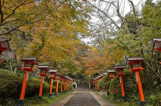 Jalan ke Kuramadera waktu Liburan di Kyoto