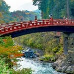 Jembatan Shinkyo menuju ke Kuil Rinnoji di Nikko