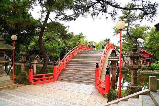 Jembatan Soribashi di Kuil Sumiyoshi Taisha Osaka