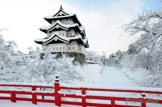 Keindahan Musim Dingin di Jepang Kastil Hirosaki
