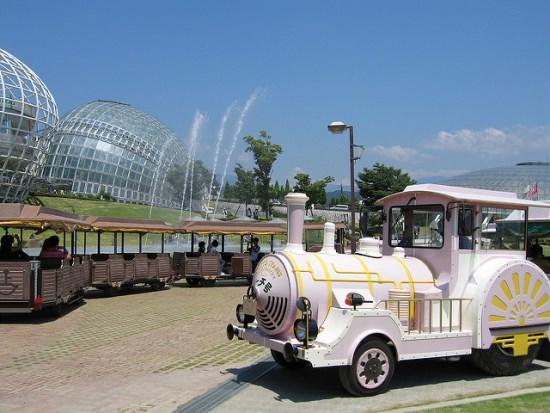 Kereta keliling Kebun Buah Fuefukigawa
