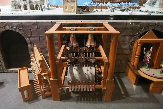 Kotak musik unik di Museum Kotak Musik Otaru