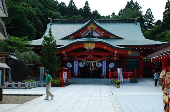 Kuil Gokoku di kompleks Kastil Aoba