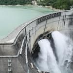 Kurobe Dam di Musim Panas