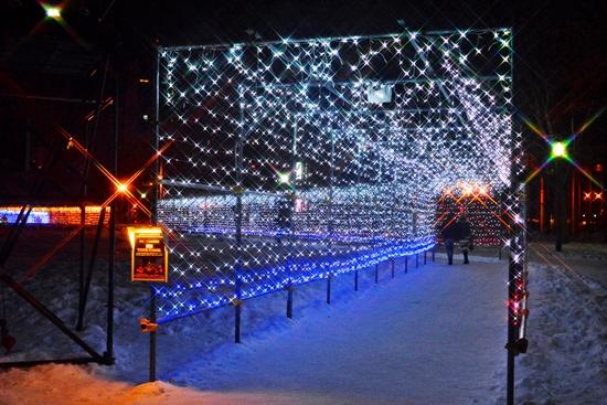 Lorong cahaya saat Sapporo White Illumination
