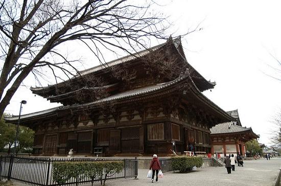 Megahnya bangunan Kuil Toji di Kyoto