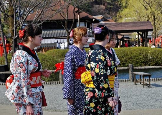 Mengenakan pakaian jaman Edo dan berkeliling Nikko Edomura Edo Wonderland