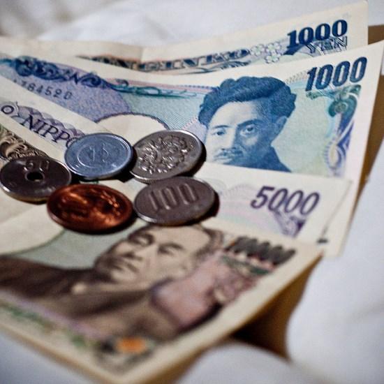 Menyiapkan uang Yen ke Jepang