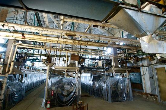 Mesin-mesin pabrik benang sutera Tomioka