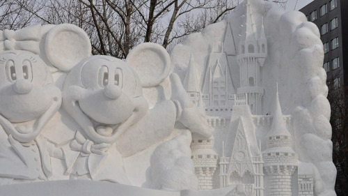 Mickey mouse di Festival musim salju Sapporo
