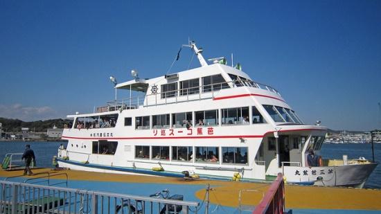 Naik kapal mengelilingi Matsushima Sendai