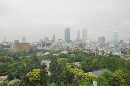 Panorama dari atas Nagoya Castle