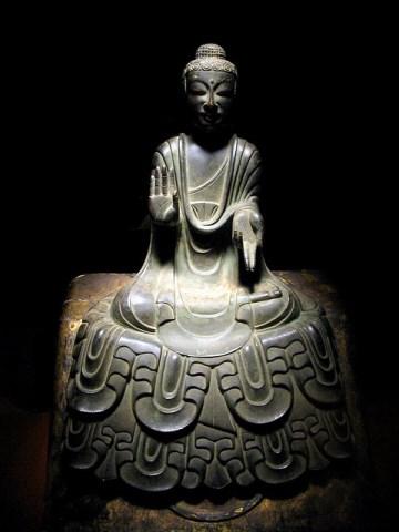 Patung keagamaan di Tokyo National Museum