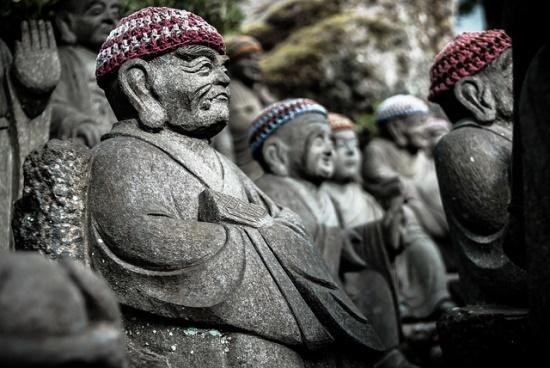 Patung-patung baru unik di Kuil Daishoin Miyajima