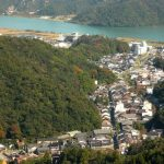 Pemandangan Kinosaki Onsen dari atas gunung