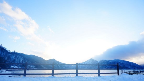 Pemandangan Kinugawa Onsen di musim dingin