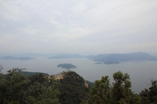 Pemandangan dari puncak Gunung Misen