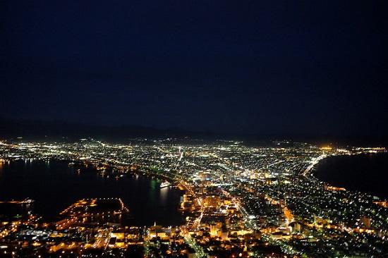 Pemandangan kota Hakodate malam hari dari atas Gunung Hakodate
