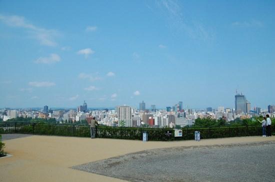 Pemandangan kota Sendai dari Kastil Aoba