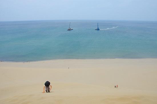 Pemandangan laut dari Tottori Sand Dunes