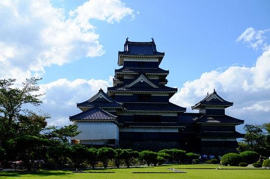 Penampakan Kastil Matsumoto yang megah