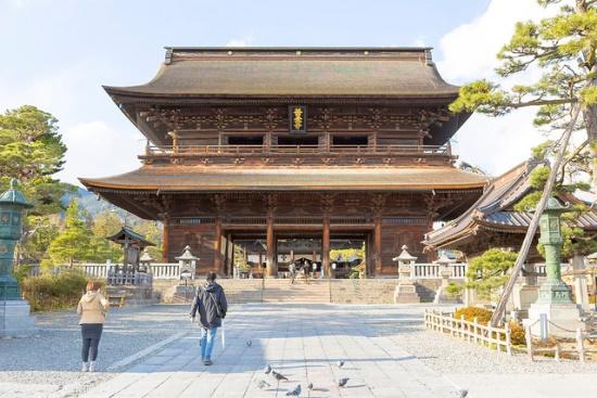 Pintu gerbang Kuil Zenkoji