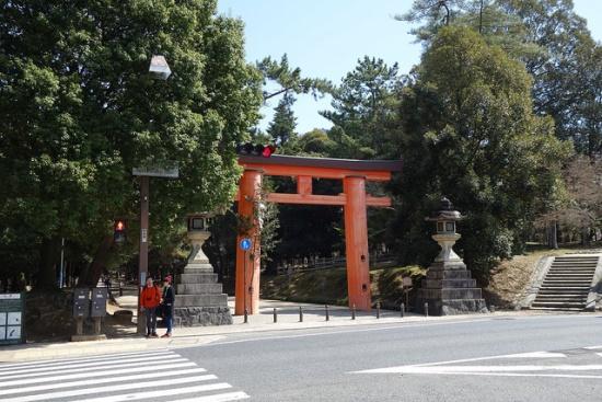 Pintu masuk Kasuga Taisha di Nara