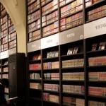 Rak buku di Museum Manga Kyoto