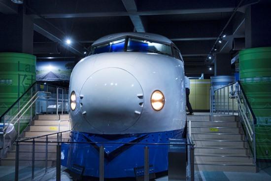 Replika Shinkansen seri 0 di Museum Kawasaki World Kobe