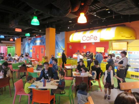 Restoran dalam Legoland Osaka