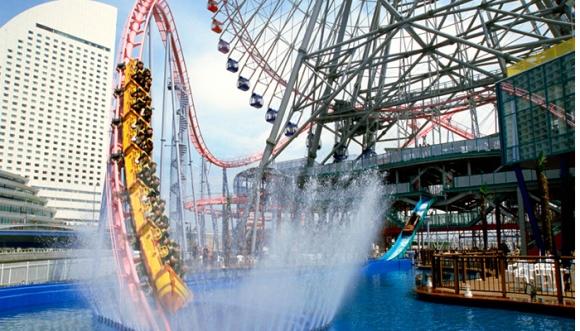 Roller coster di Yokohama Cosmo World
