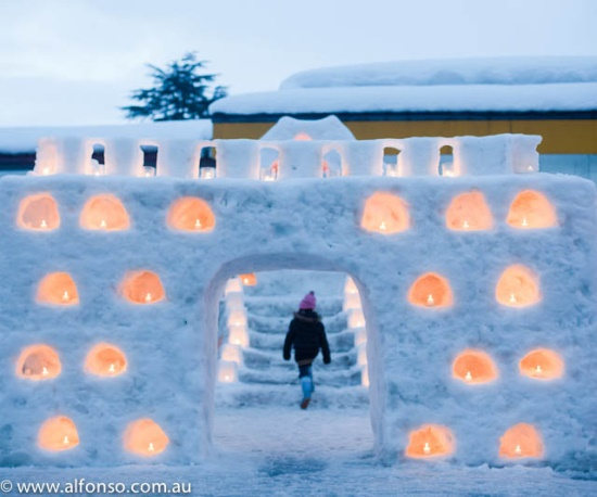 Rumah igloo saat festival Kamakura Akita