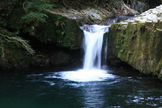 Salah satu air terjun Kawazu Nanadaru