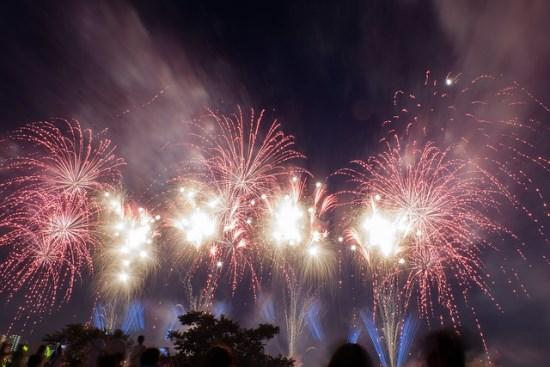 Suasana Festival Kembang Api Adachi