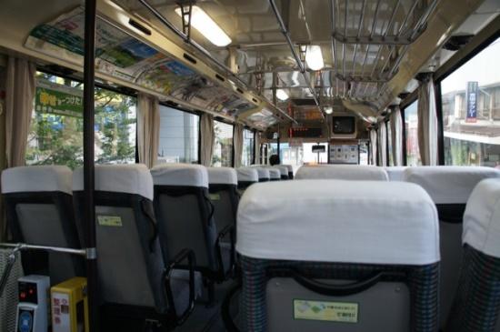 Suasana bus lokal dari Kawaguchiko Gotemba Kyoto