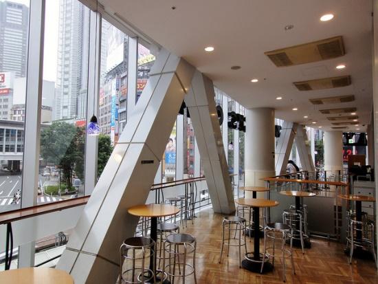 Tempat unik melihat pemandangan Tokyo dari Starbucks Shibuya