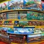 Toko Mainan Hakuhinkan: mobil balap dan helikopter