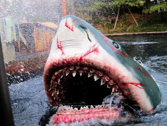 Wahana Jaws di Universal Studio Jepang Osaka
