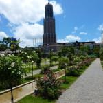 Huis Ten Bosch Art Garden dan Menara Domtoren